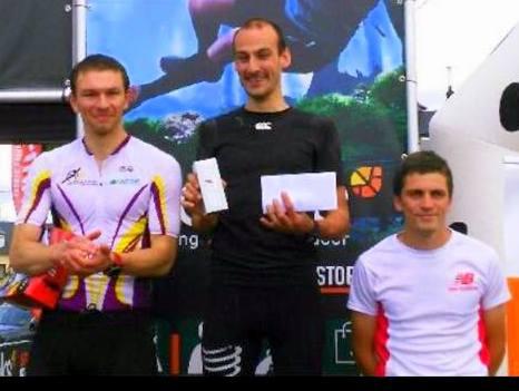podium Sam-001